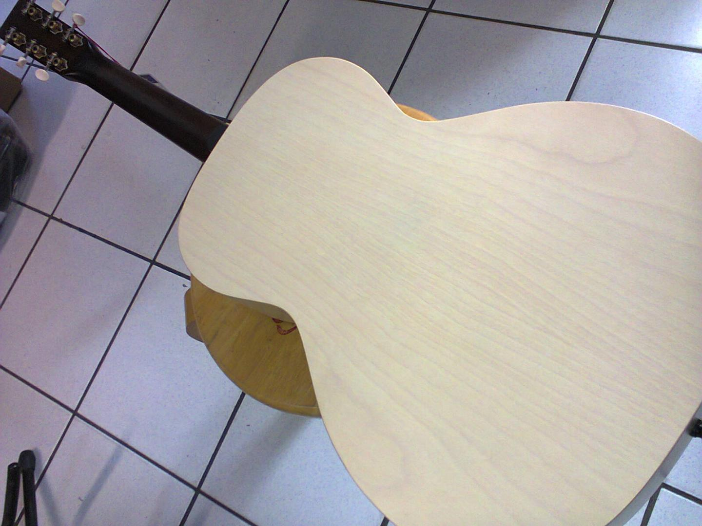ART & LUTHERIE ROADHOUSE PARLOR FADED CREAM A/E 045389 GUITARE ELECTRO ACOUSTIQUE PARLOR **FAITE A LA MAIN ATELIER GODIN QUEBEC** FADED CREAM SATINE. TABLE EPICEA MASSIF. FOND & ECLISSES MERISIER. MANCHE ERABLE ARGENTE. TOUCHE & CHEVALET PALISSANDRE. PRE AMPLI FISHMAN. MECANIQUE VINTAGE