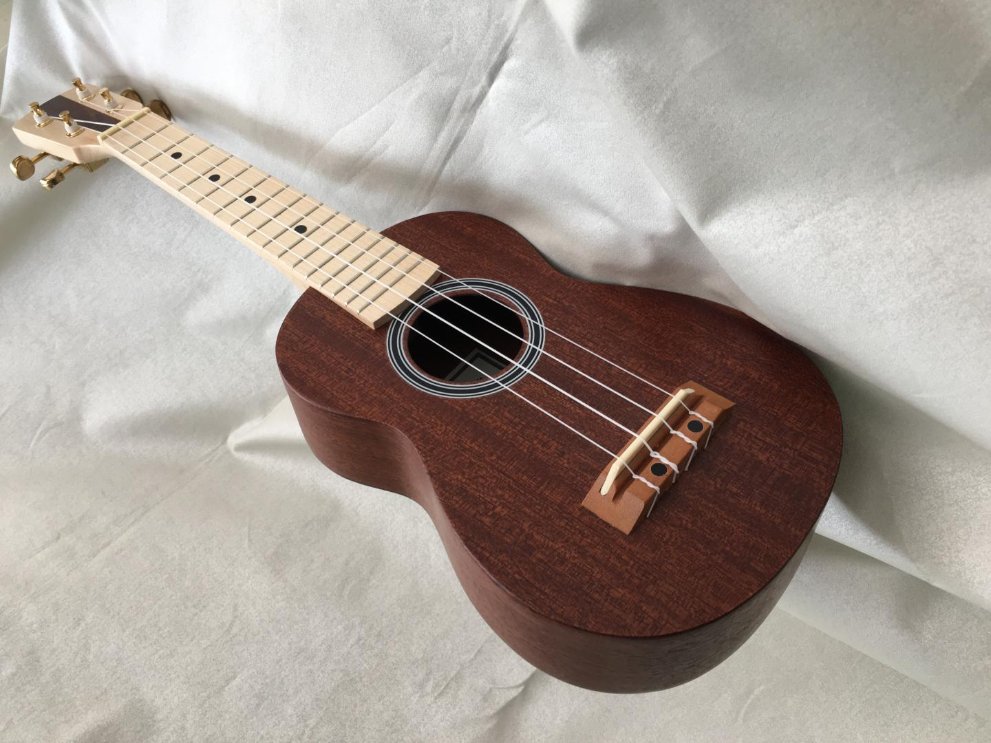 BRUKO GEWA UKULELE SOPRANO SI-FA#-RE-LA ou LA-MI-DO-SOL. NATUREL SATINE. TABLE ECLISSES & FOND ACAJOU MASSIF. MANCHE & TOUCHE ERABLE. **MADE IN EUROPE**